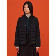 (BF0938C025)20FW 블랙 밴드넥 초경량 다운 재킷